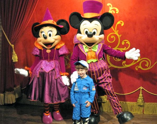 Mickey's Not So Scary Halloween Party 2011 Review
