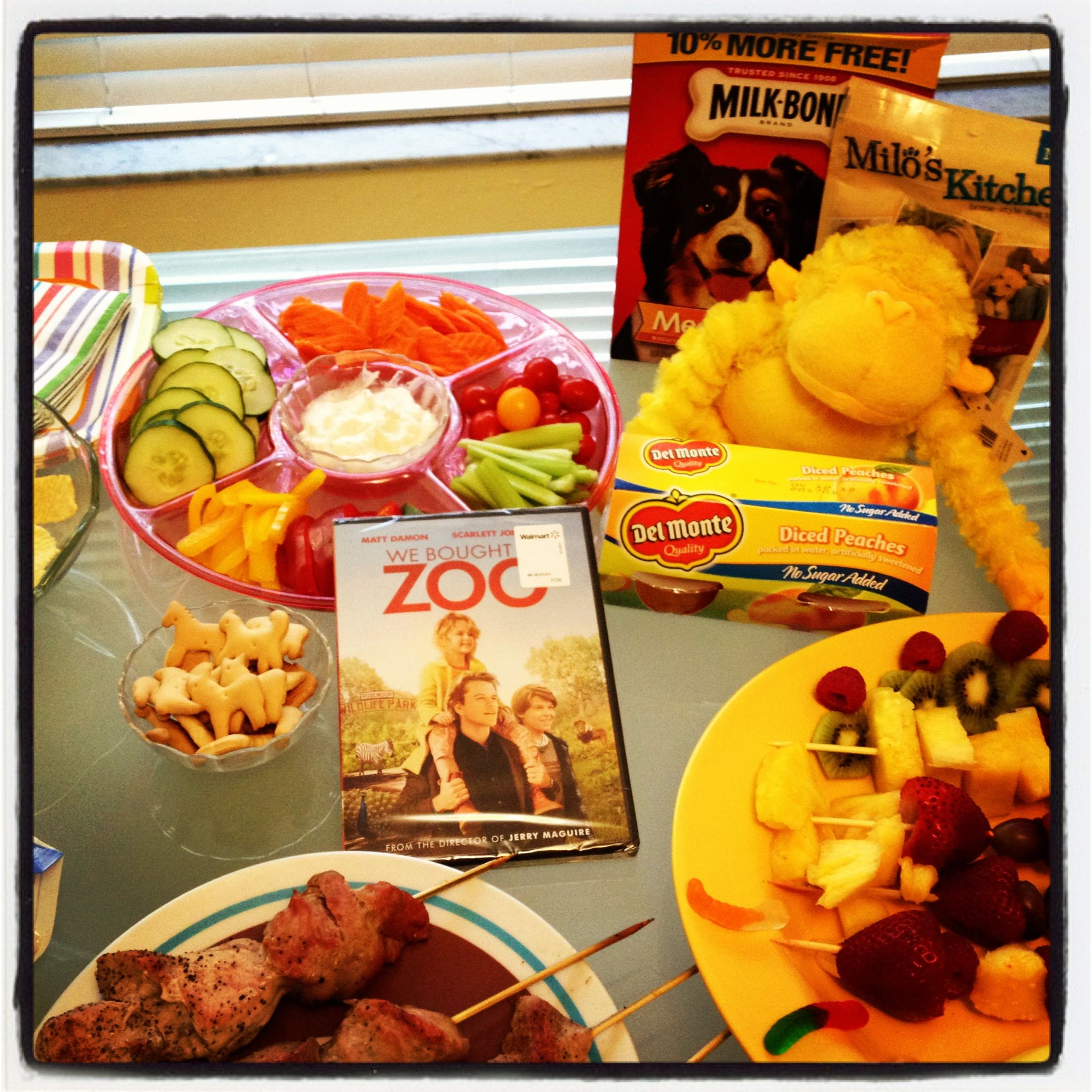 Feed Your Zoo At Home With Del Monte Peach Crisp #CBIAS #iLovemyK9