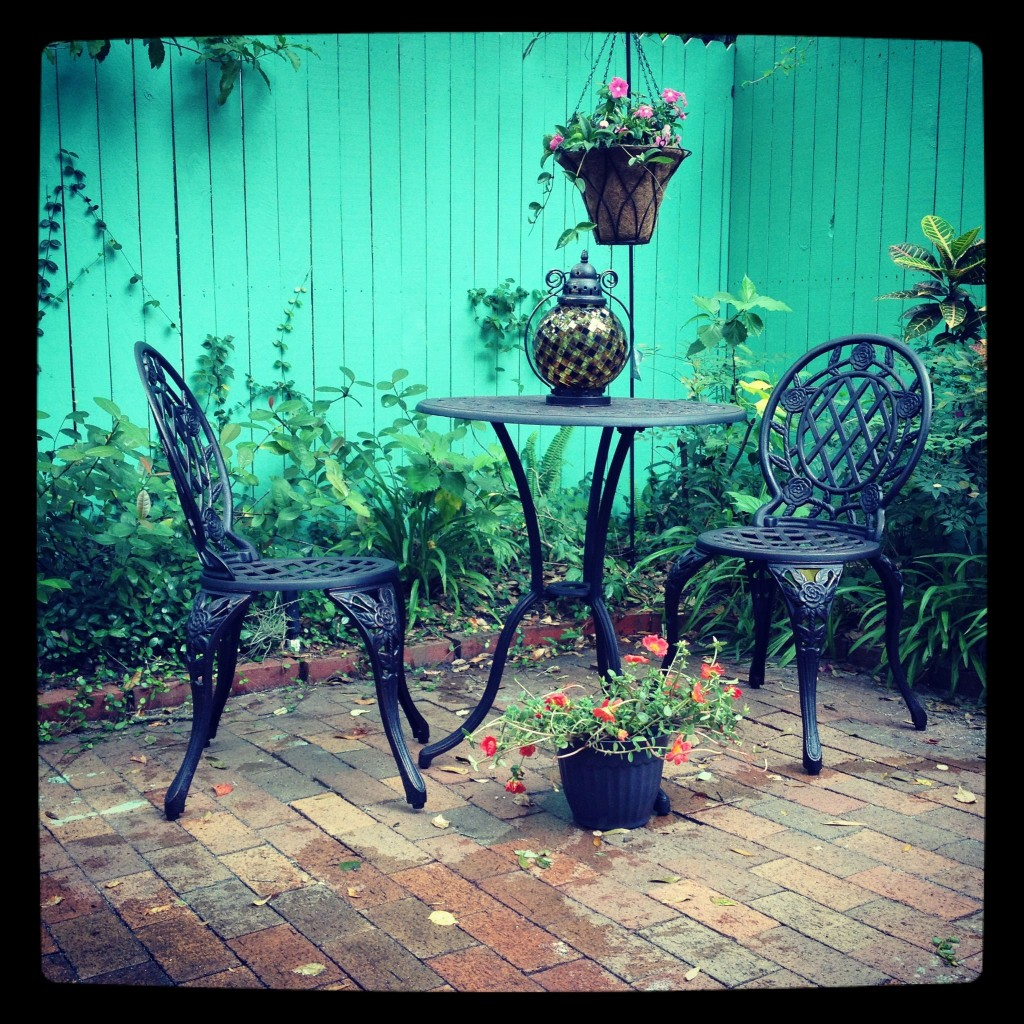 Cast Iron & Aluminum Bistro Set and Kmart decor