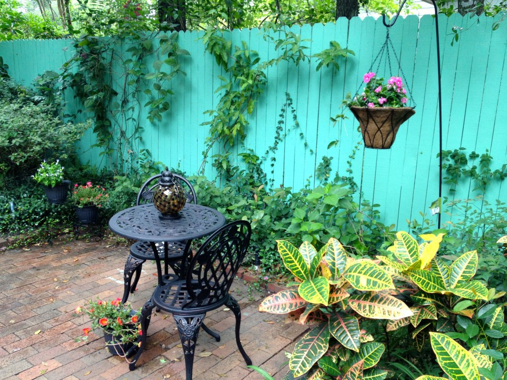 Create A Mom's Backyard Oasis With #KmartOutdoor
