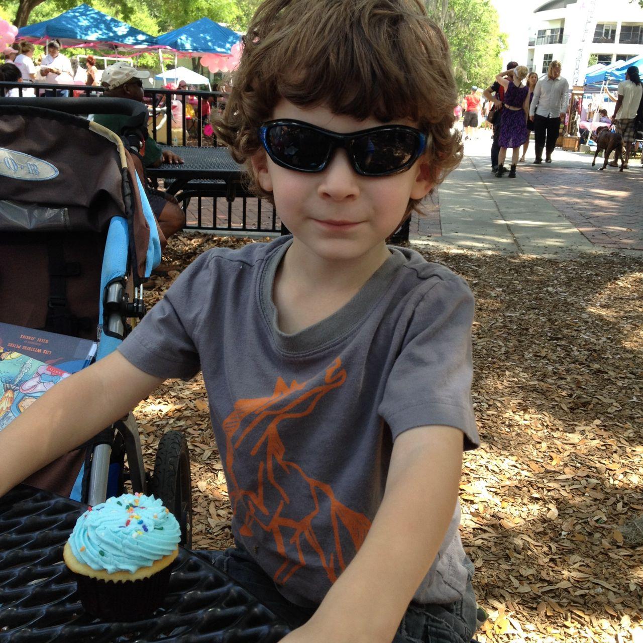 Wordless Wednesday: Yum Yum Cupcake Monster